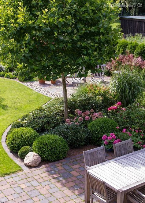 Eye-Catching Ways to Transform Your Front Yard Landscaping