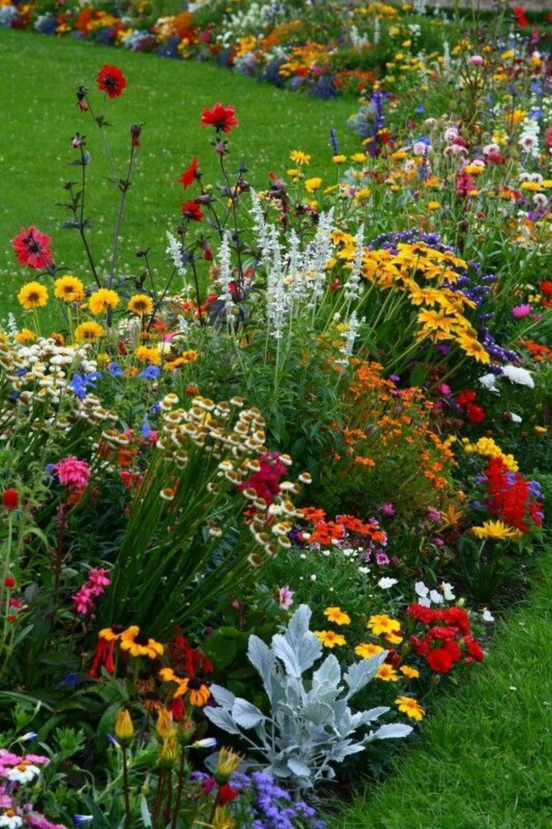 A Step By Step Guide On How To Create Beautiful Flower Gardens For Your Yard   #Beautiful #Cr...